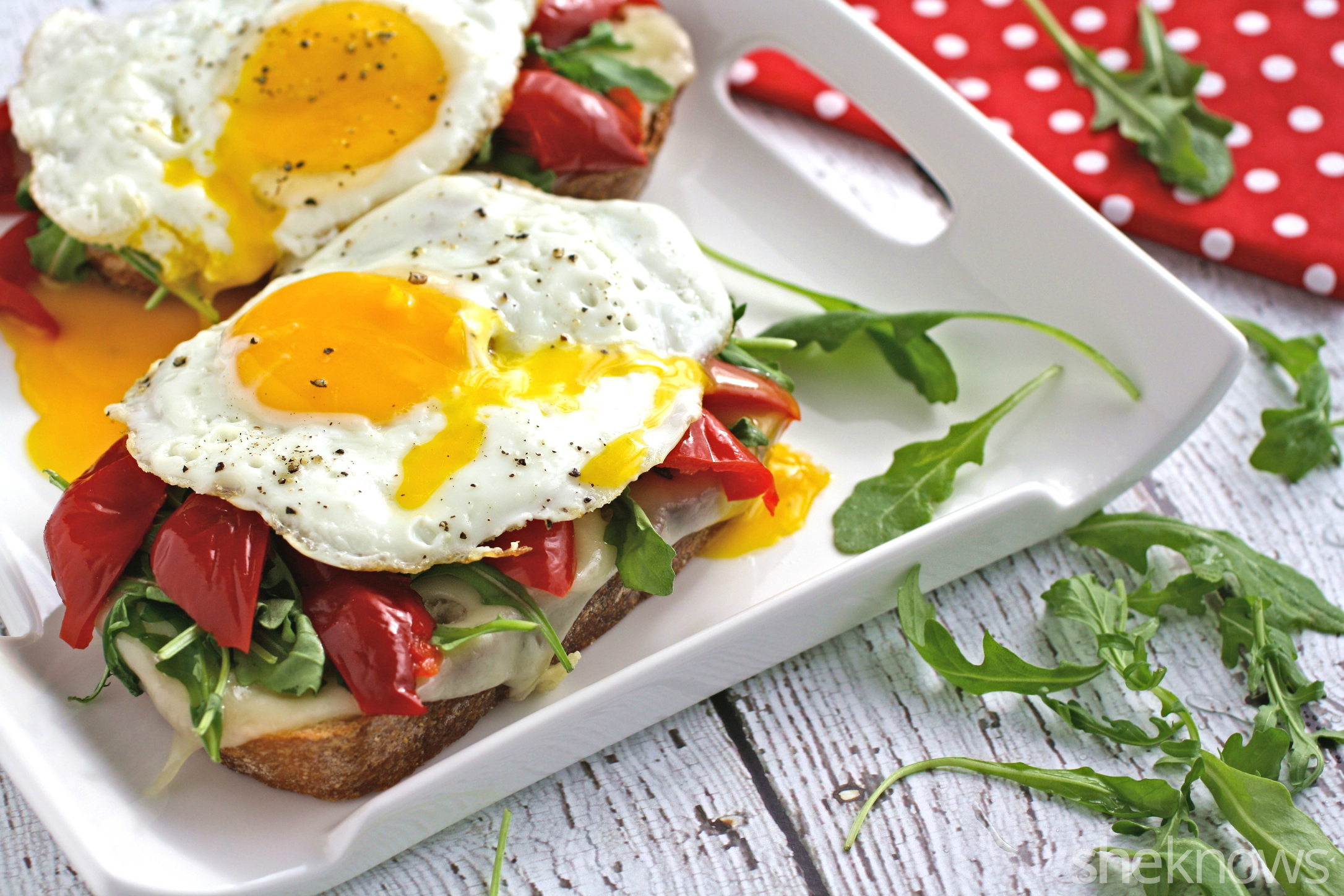 This Meatless Monday grilled cheese sandwich with roasted red peppers, arugula, and fried egg is great for any meal of the day