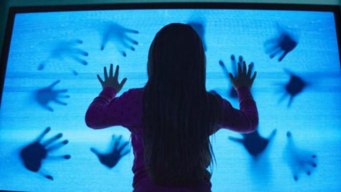 Which Poltergeist trailer is scarier: 1982