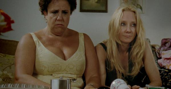 Anne Heche plays BFF with a