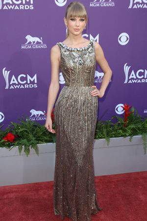 Taylor Swift at the ACM Awards