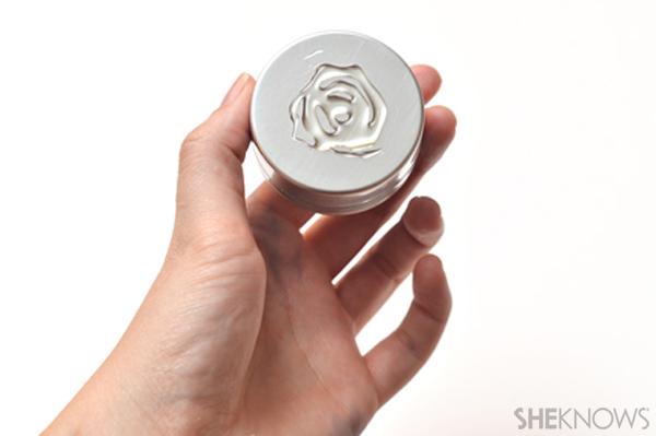 DIY Advent calendar - Glue each tin