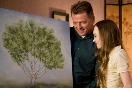 Aidan Quinn and Madeline Carroll in Flipped