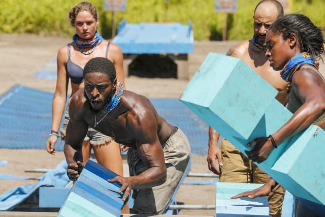 Alan Ball competes in challenge on Survivor: Heroes Vs. Healers Vs. Hustlers