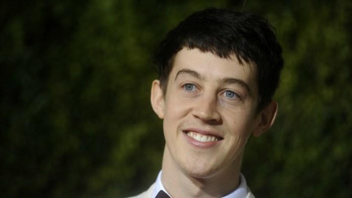 Unknown British actor swipes Tony Award