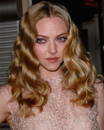 Amanda Seyfried's wavy hairstyle