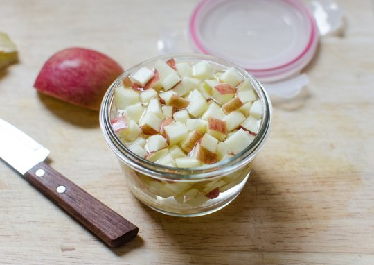 keep apples from browning in a bowl of water