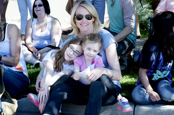 Dooce's Heather Armstrong and kids Leta and Marlo