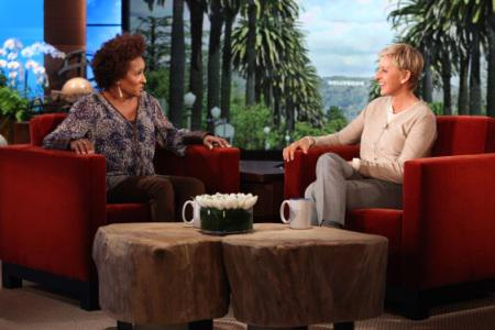 Wanda Sykes laughs through breast cancer