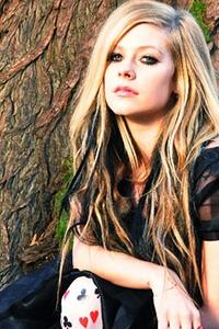 Avril does Alice