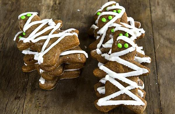Gluten-free gingerbread mummy cookies