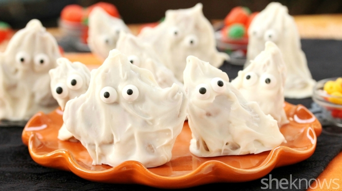 Spooky candy-coated ghosts with a cookie
