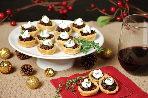 bacon-onion bites wit goat cheese mousse