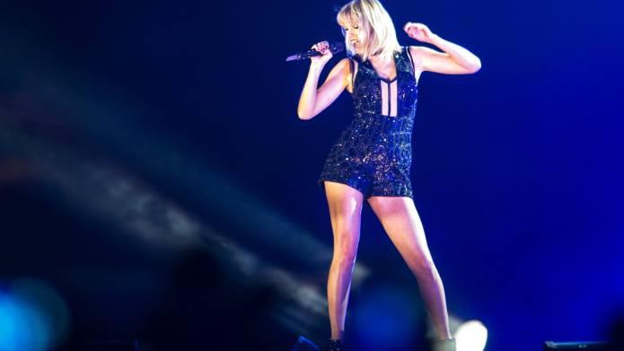 Taylor Swift & Joe Alwyn Showed