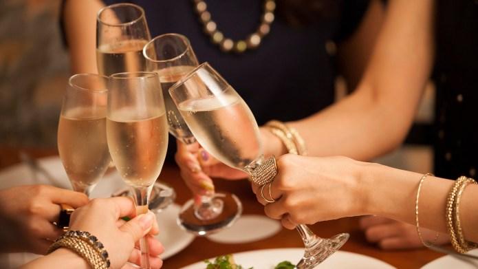 PSA: Aldi Sells Sparkling Wine, &