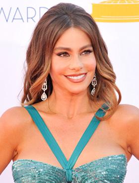 Sofia Vergara's wavy hair at 2012 Emmy Awards