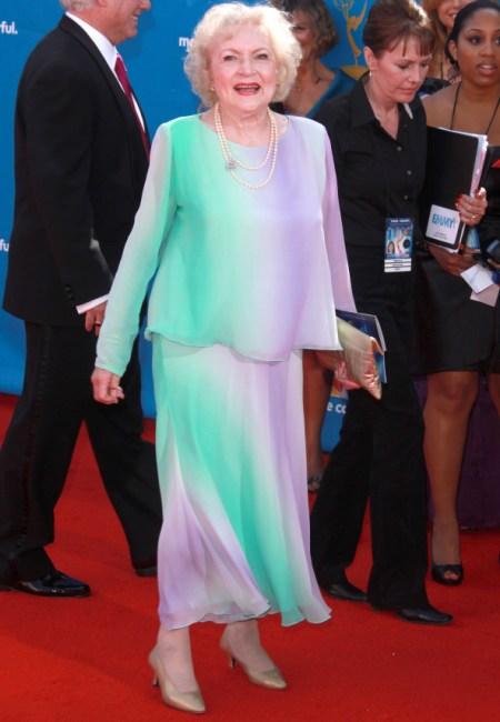 Betty White rocks the 2010 Emmy Awards