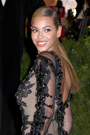 Beyonce ate a diet of lettuce to get into shape