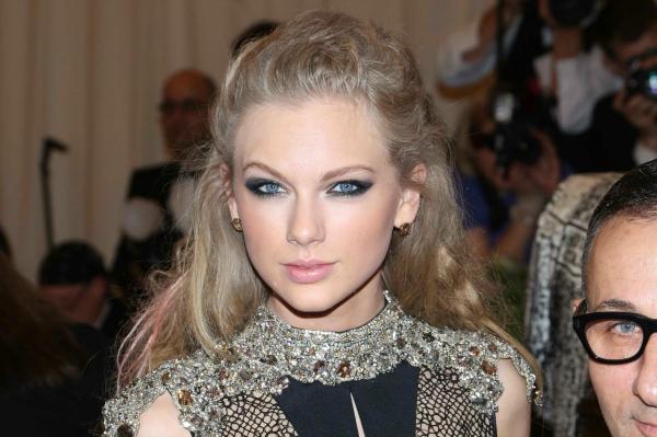 Billboard Music Awards nominee Taylor Swift