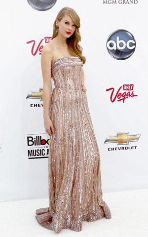 Taylor Swift at the 2011 Billboard Music Awards