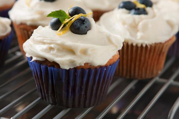 Blueberry lemon beer cupcakes