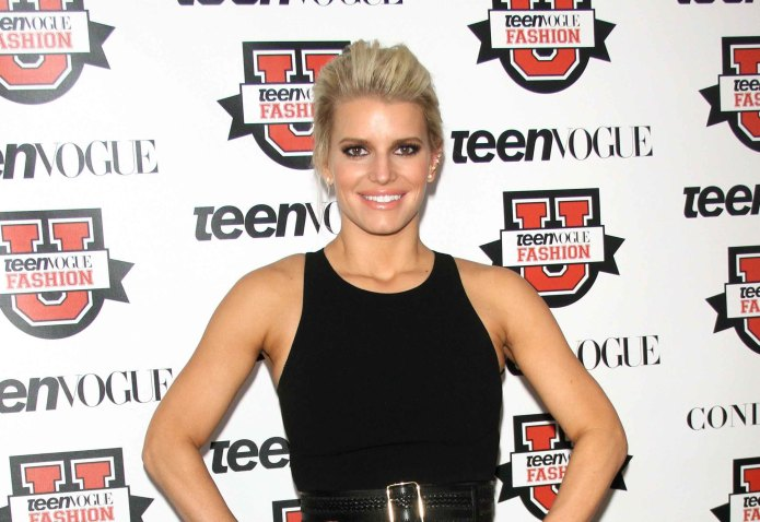 Jessica Simpson 'feasts' on her husband