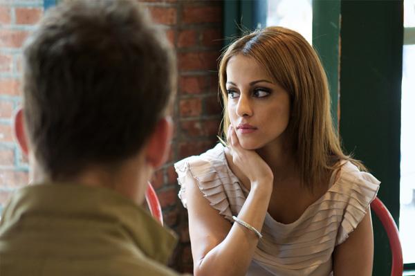 woman breaking up with her boyfriend
