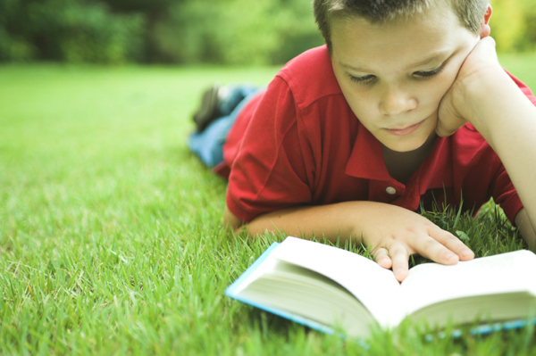 boy-learning-to-read