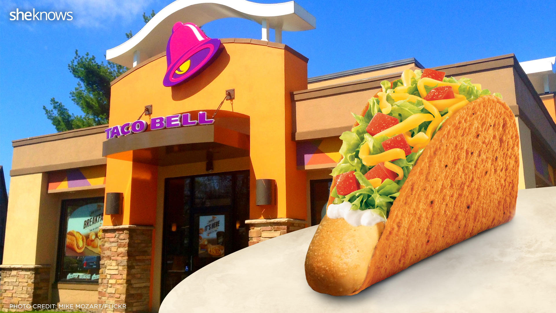 taco bell taco with breadstick