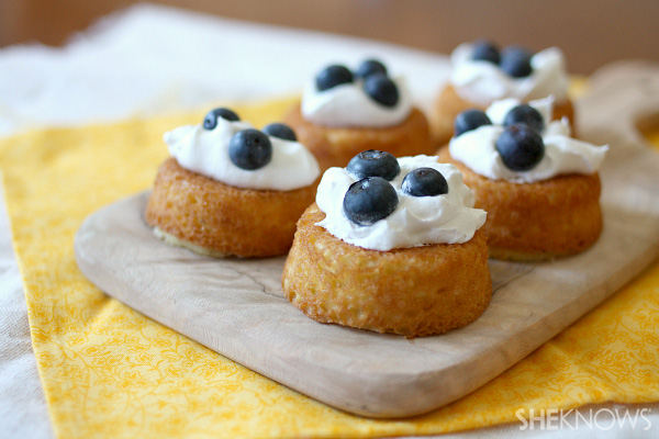 Buttermilk pudding cakes with fresh fruit topping