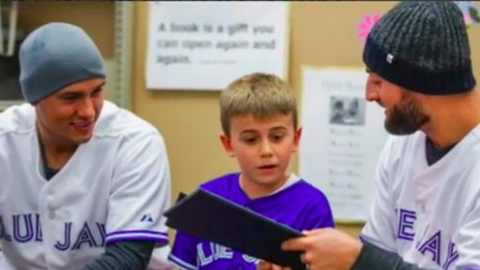 Blue Jays players surprise 9-year-old boy