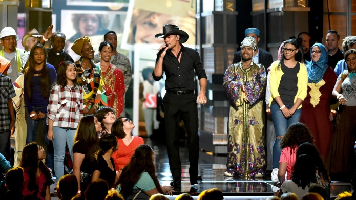 Tim McGraw's ACM performance had viewers