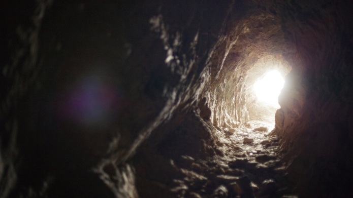 13 Haunted cave tours to get
