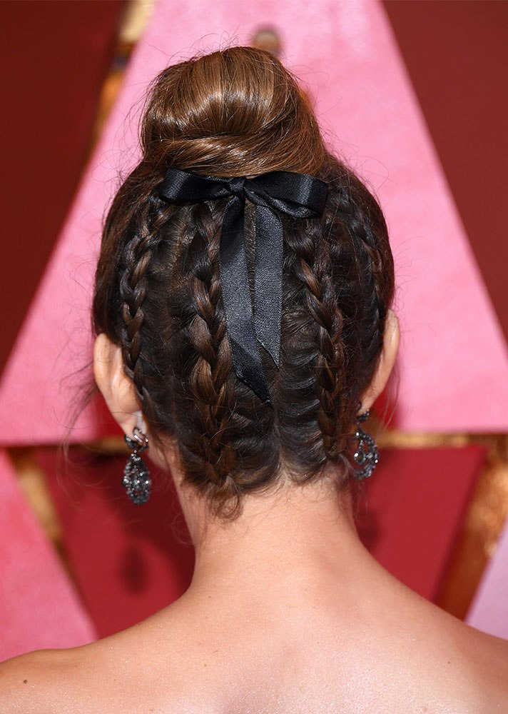Celebs in Hair Ribbons: Maria Menounos