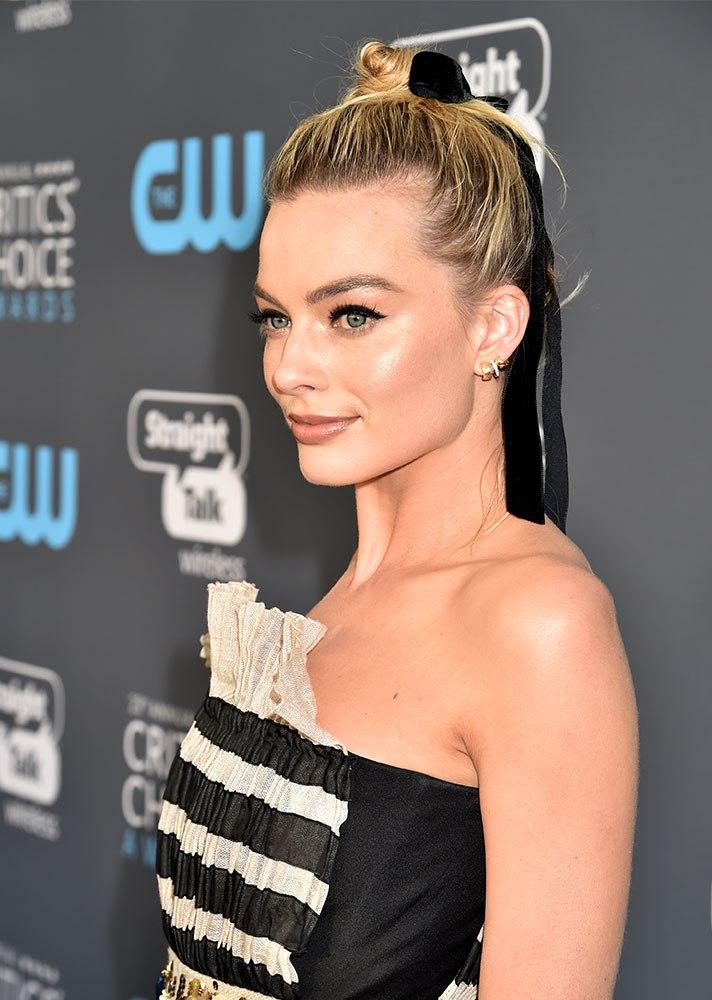 Celebs in Hair Ribbons: Margot Robbie