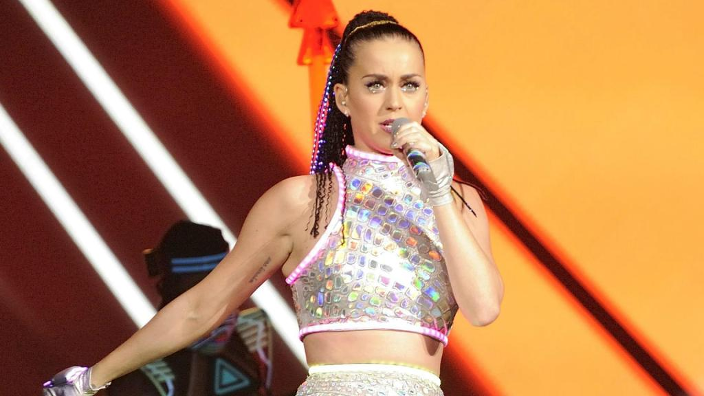 Watch Katy Perry get her nose pierced… if you're into that ...
