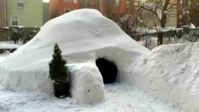 Brooklyn hipster lists igloo on Airbnb