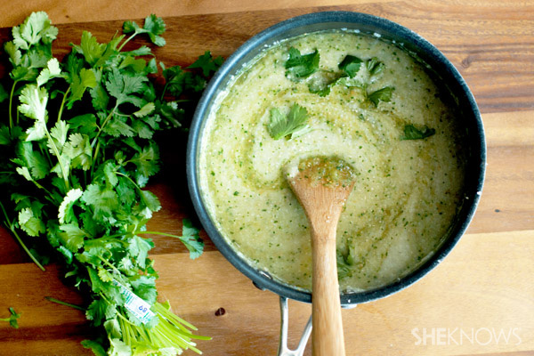 Cheesy green chili grits recipe