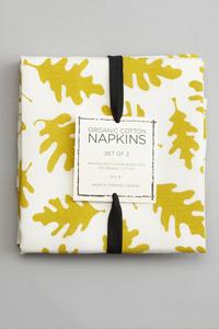 Organic cloth napkins are eco-friendly alternatives