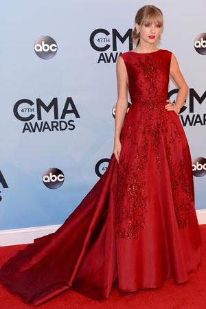 Taylor Swift at the 2013 CMAs
