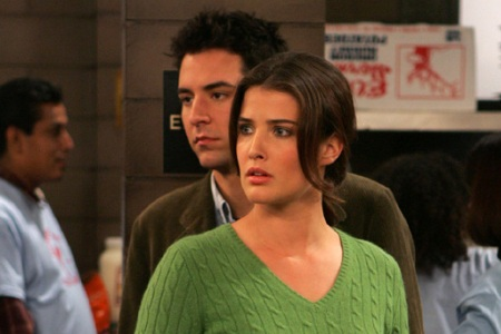 Could Kal Penn's gig on How I Met Your Mother mean new love for Colbie Smulder's Robin?