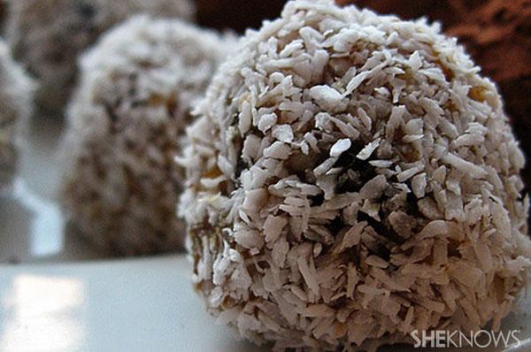 Coconut date balls | Sheknows.ca