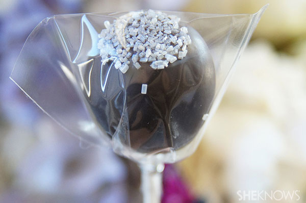 Cookie ball pops | Sheknows.ca