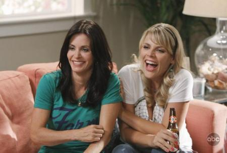 Courteney Cox and Busy Philipps have a laugh on Cougar Town