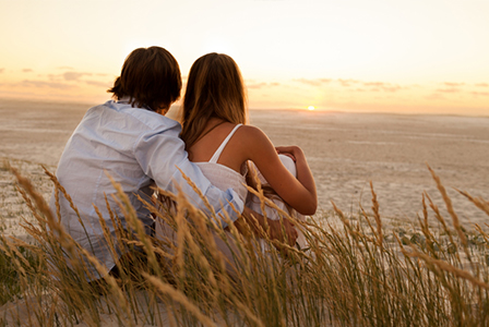 Couple at the beach | Sheknows.com