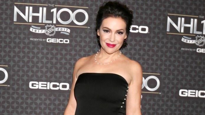 Alyssa Milano Calls Out Post-Baby Body