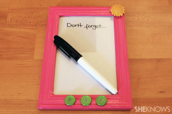 Dry-erase forget-me-not frame