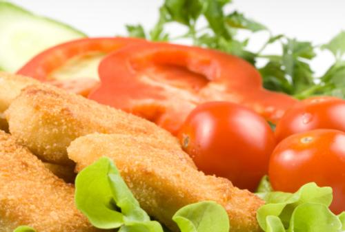 Spicy crispy chicken salad