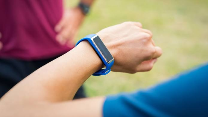 Fitbit Alerts Woman to Life-Threatening Condition