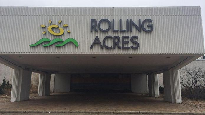 Photos reveal abandoned Rolling Acres Mall