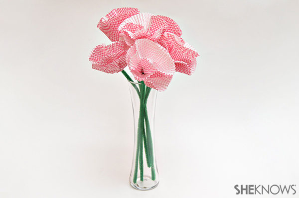 Cupcake liner bouquet | Sheknows.com - final product